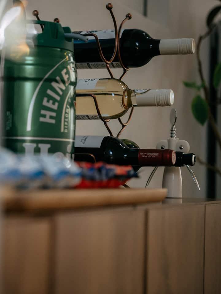 커피 차 맥주 그리고 와인이 있어요.