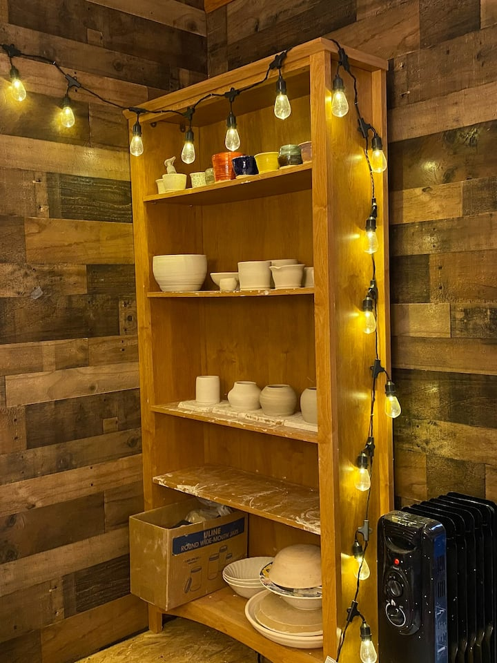 Pottery drying shelf