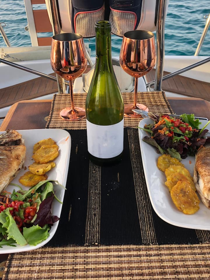 Privat  Sailing Trip Dinner for 2