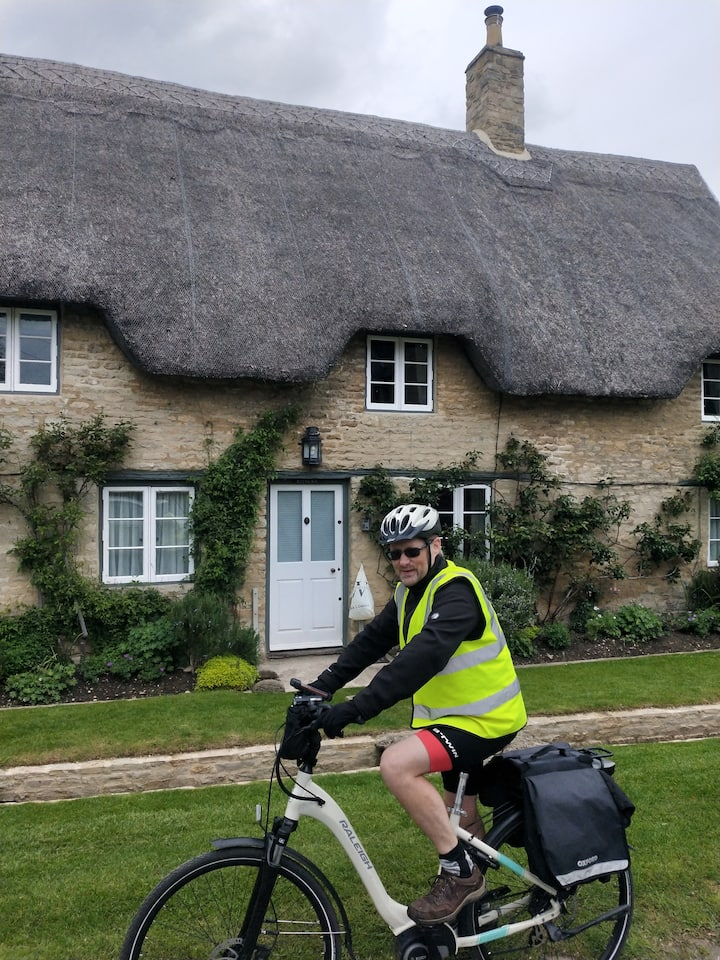 Cotswolds cycle tours