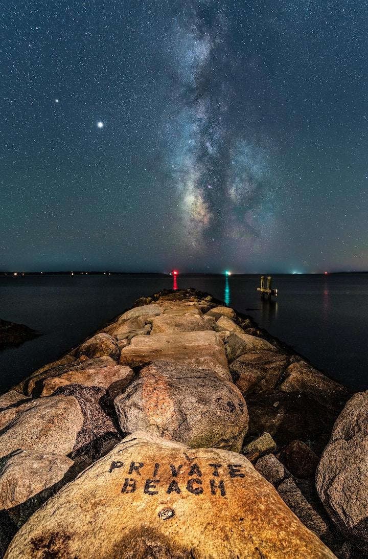 Galactic jetty