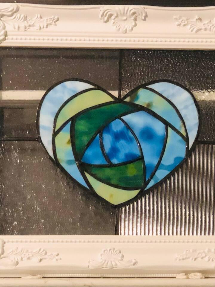 Mackintosh heart in blue.
