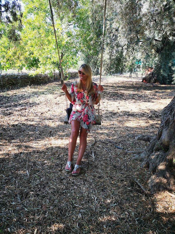 Swingn on the tree