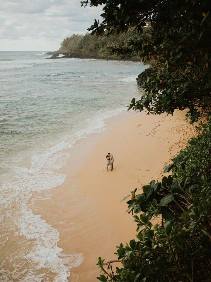 Beachy Kauai Maternity Photography
