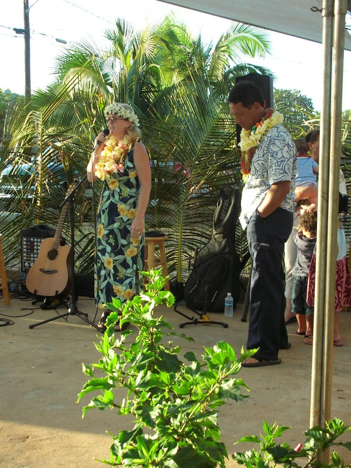 Keti and Lew have performed for decades.