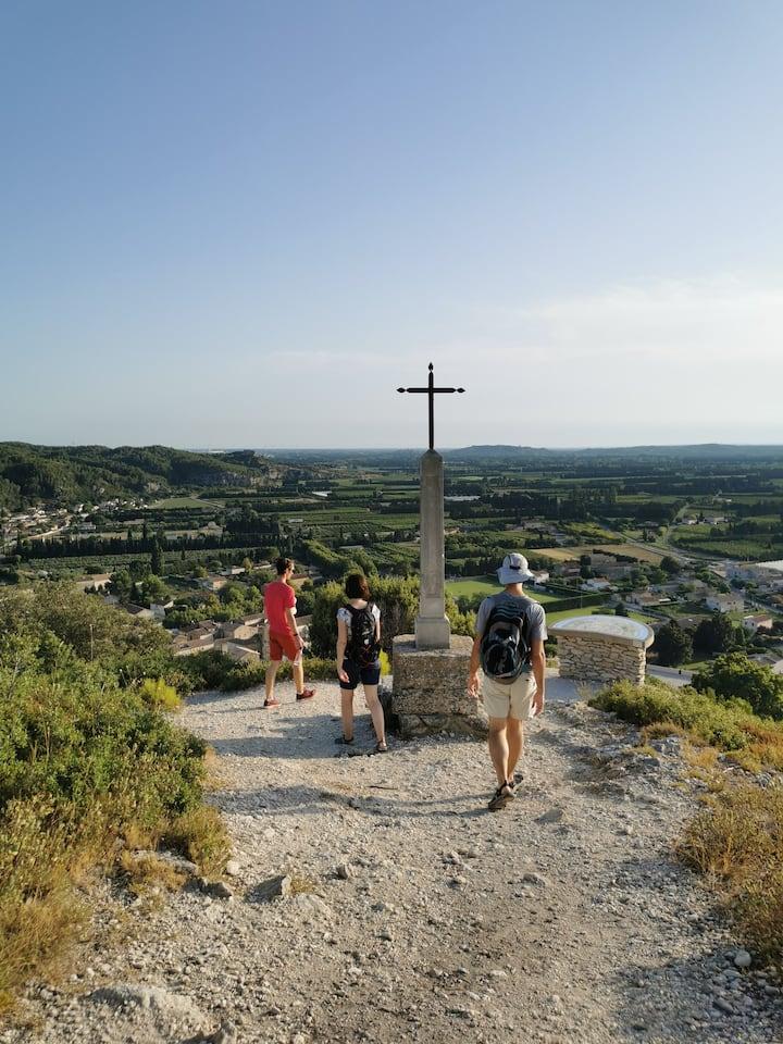 Overlooking the village of Boulbon