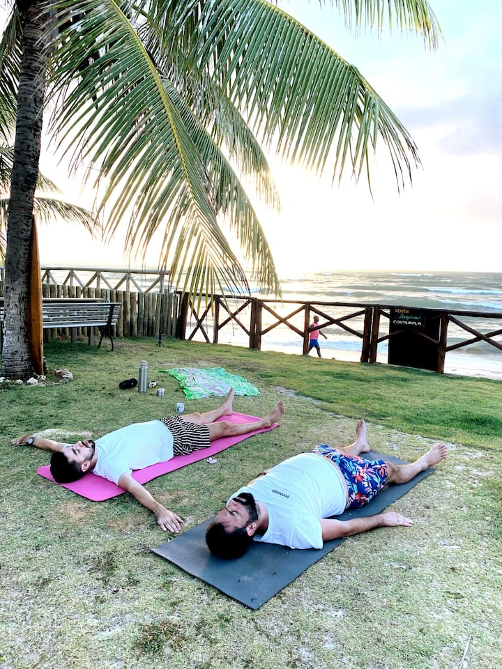 Yoga no nascer do sol