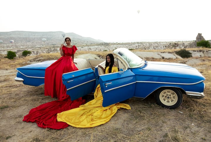 Blue Impala with dresses