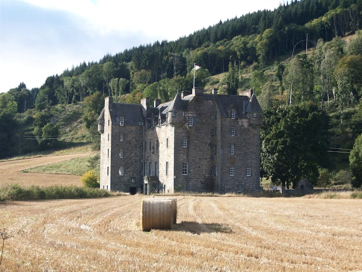 A Clan Castle in Turbulent times