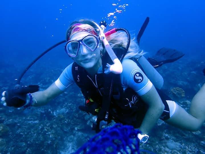 Emmy scuba diving