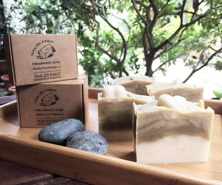 Soap made with plant extract colour