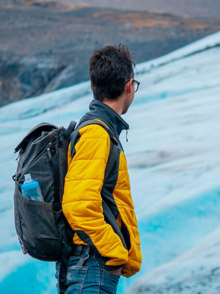 Looking over Raven Glacier