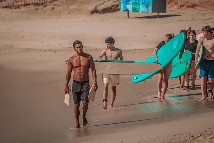 Felix-local surf instructor