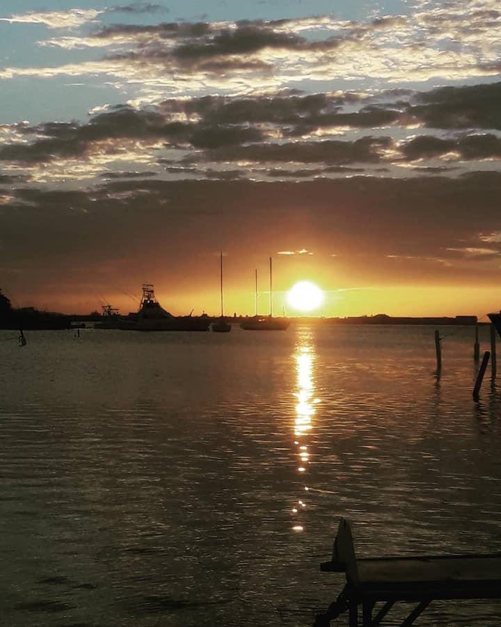 Beautiful sunset at Glistening Waters