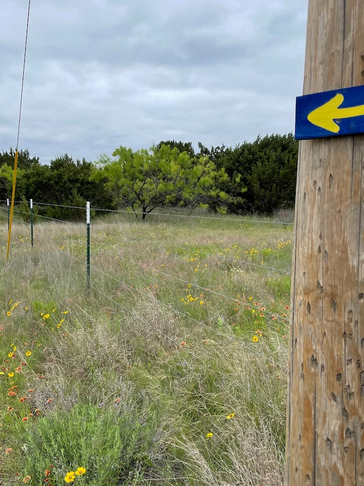 Follow the arrows, just like the Camino!