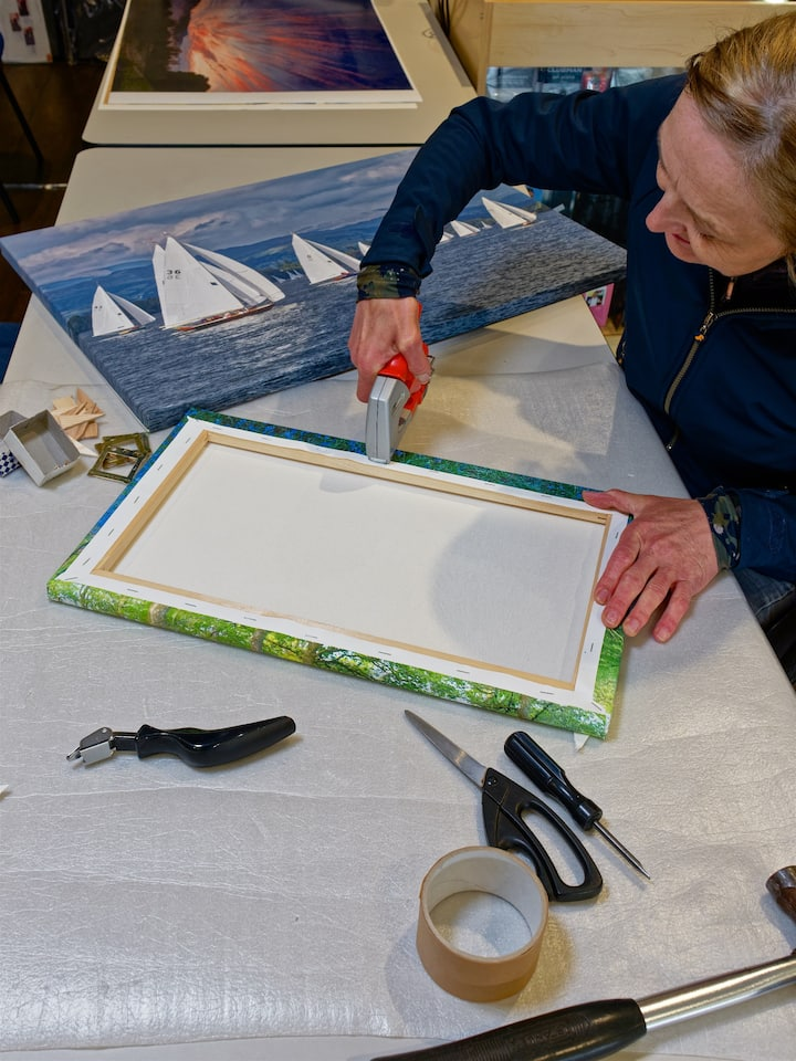 Make your own canvas to take home!