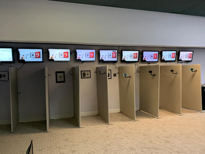 Multiple screens for students