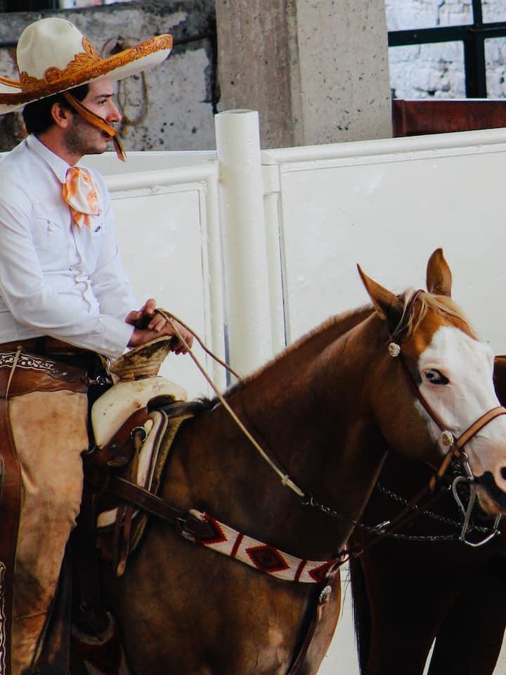 Grandes  charros a caballo