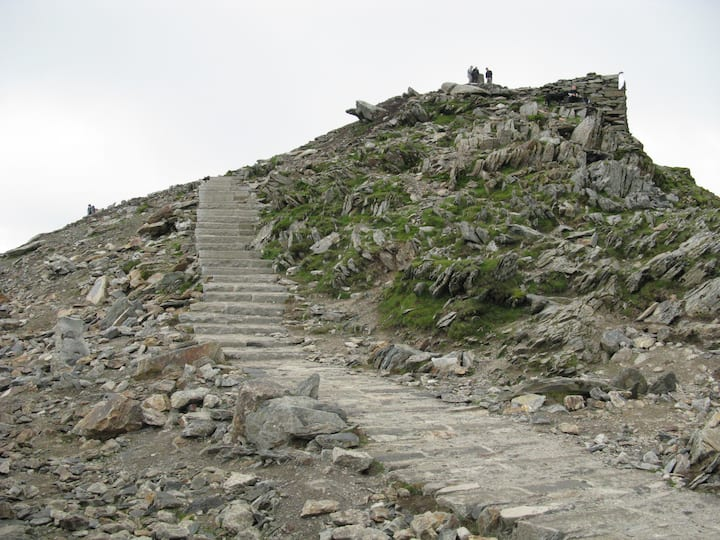 Final steps to the summit