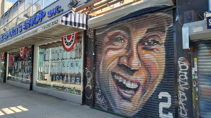 Derek Jeter mural