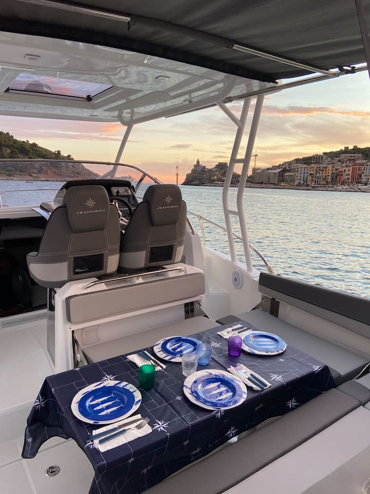 Cena a bordo a Portovenere