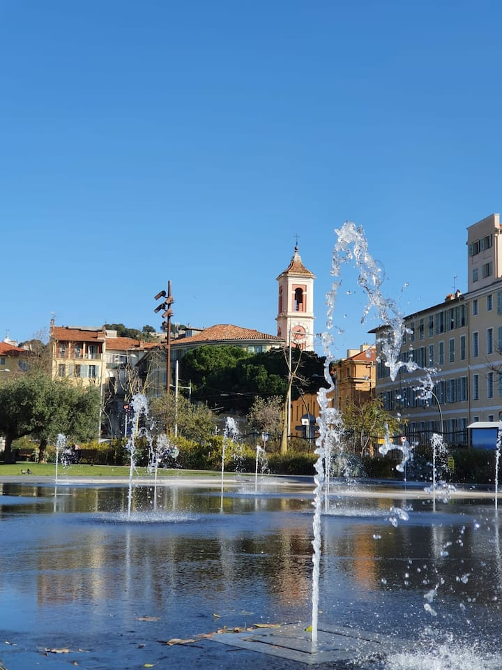 fountain in the paillon boulevard