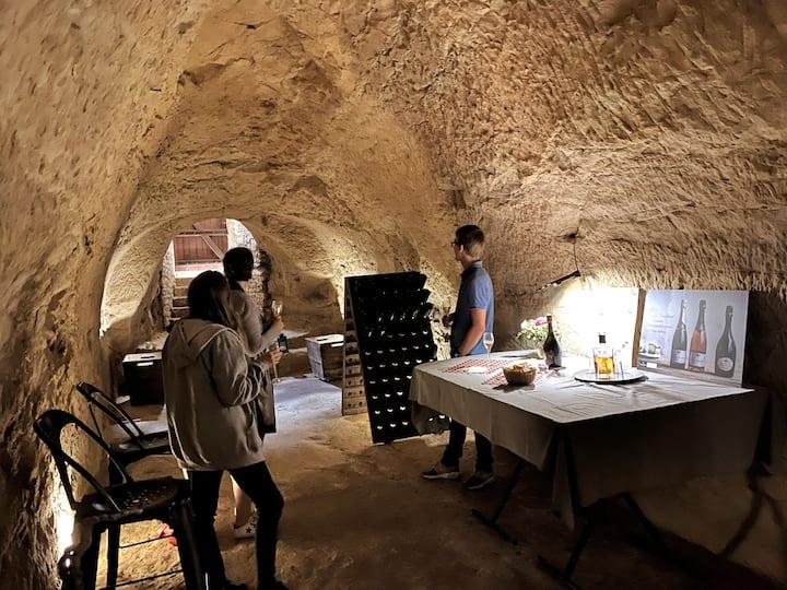 Notre cave creusée à même la craie...