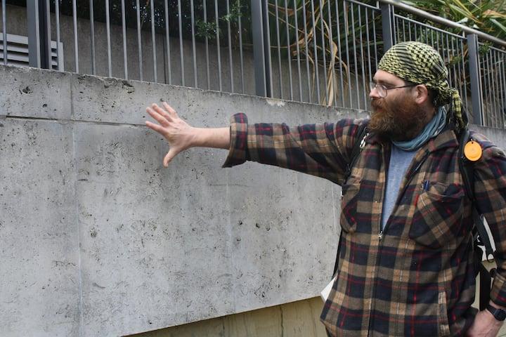 Al describing Portland Stone