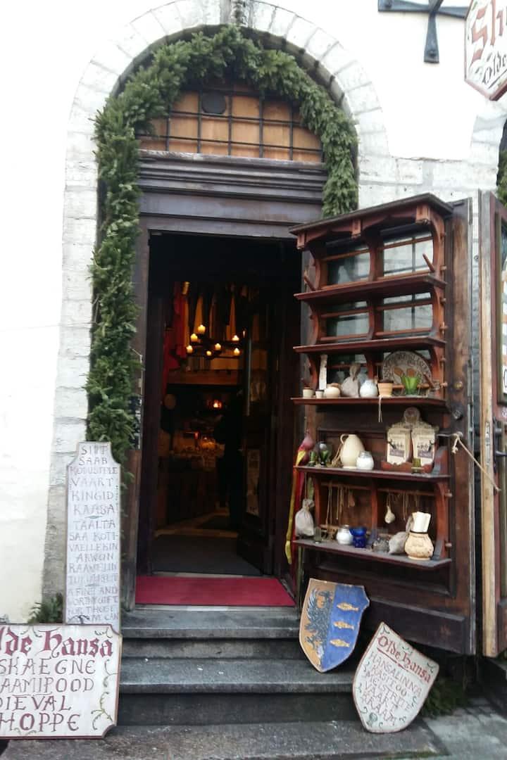 @Olde Hansa Medieval Foods Shoppe