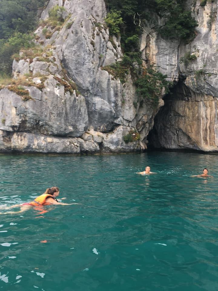 Bain  au Roc de Chère