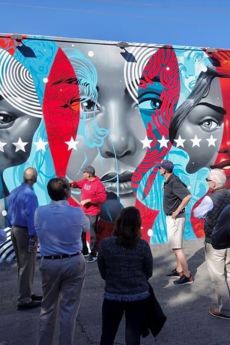 WYNWooD LEGeNDARY Street Art Tour by Hec