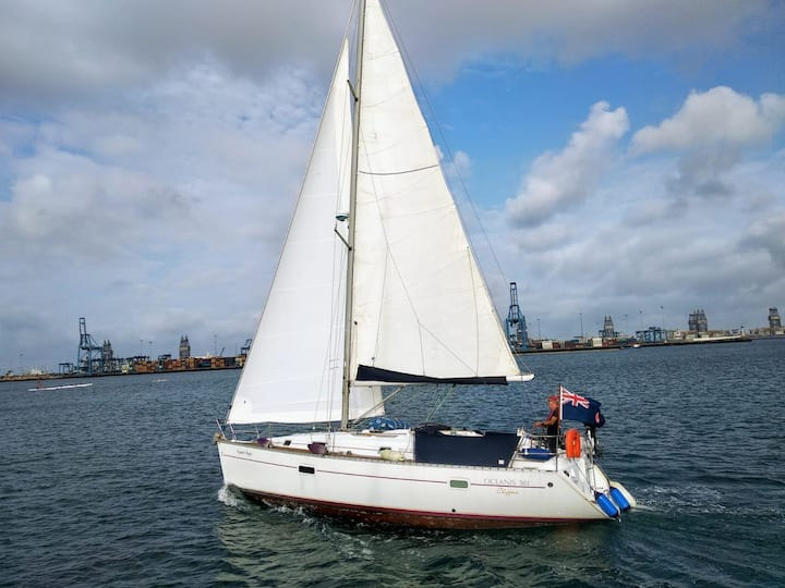 Flying along under full sail