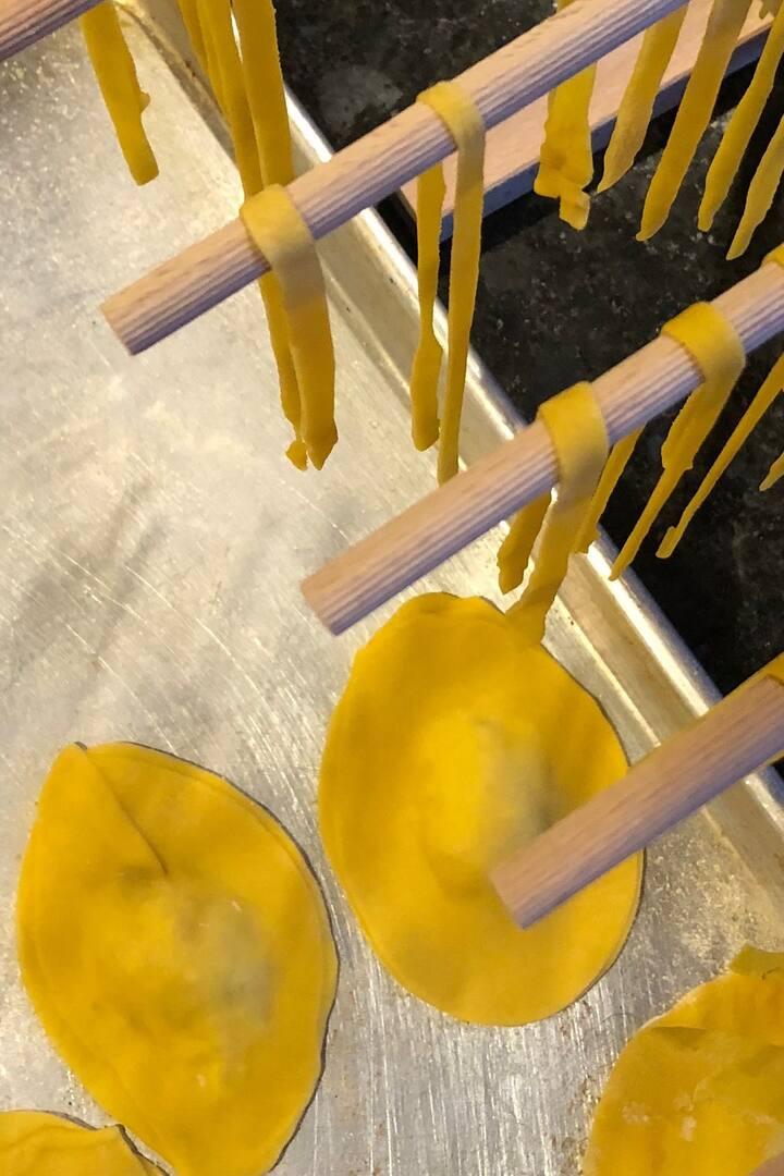 Make ravioli, fettuccine, & tortellini!