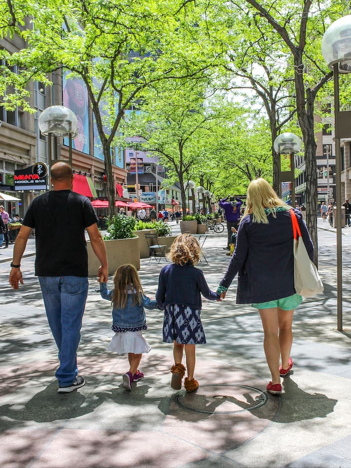 Denver's 16th Street pedestrian mall