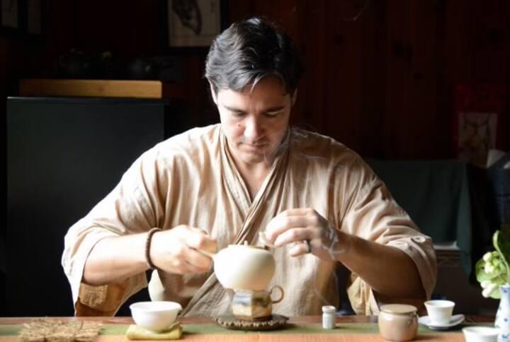 Ken brewing tea