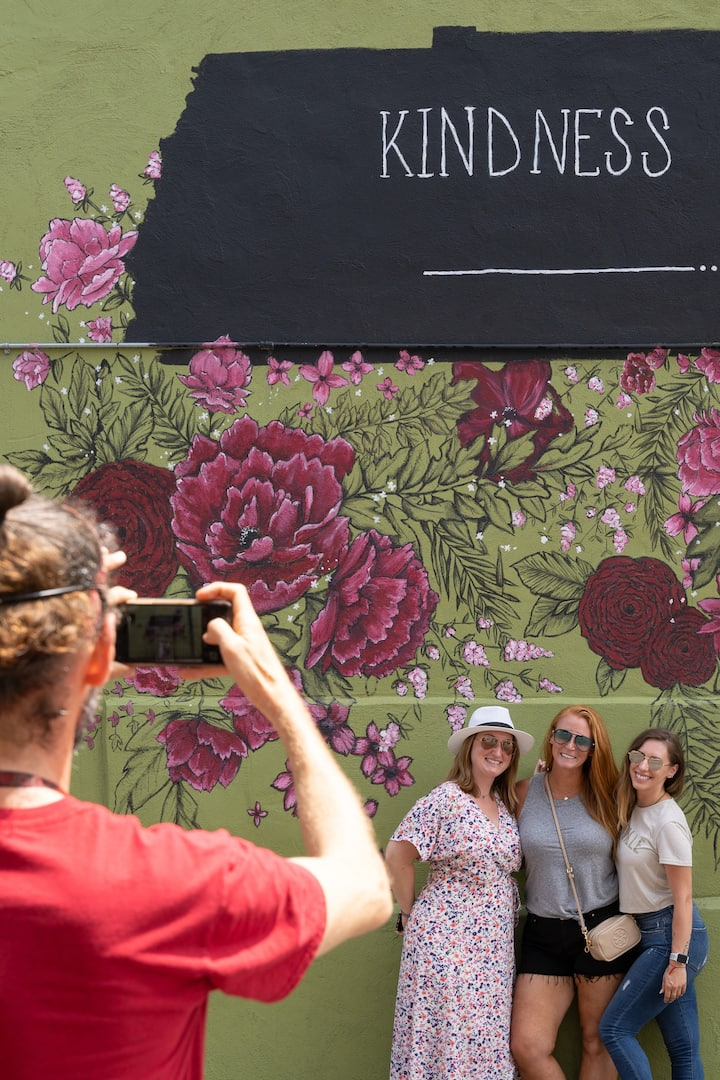 Mural tours are available