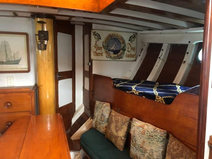 Forward Cabin Starboard