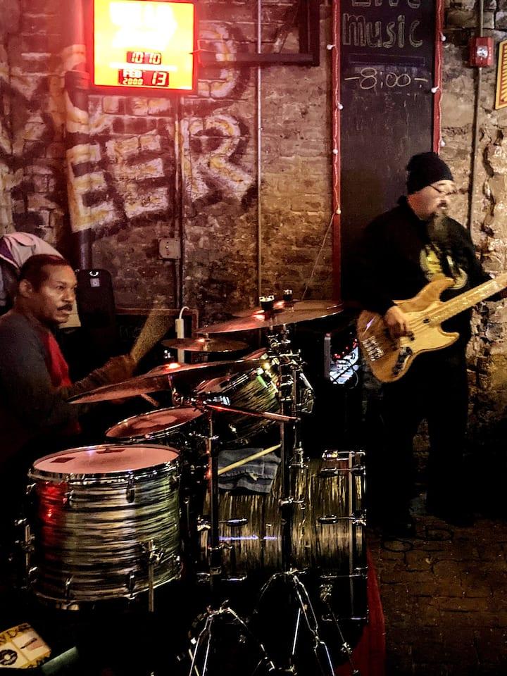Incredible blues music by Hitman