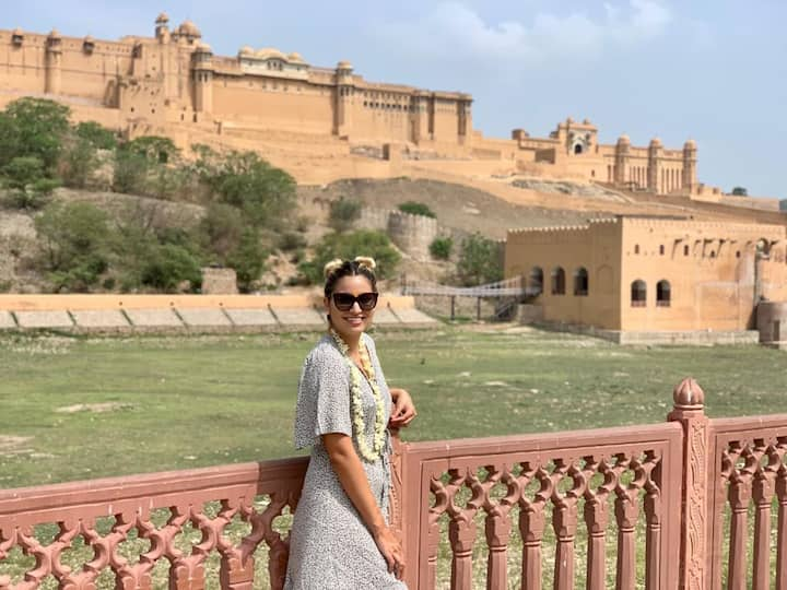 Posing in front of Amber Fort