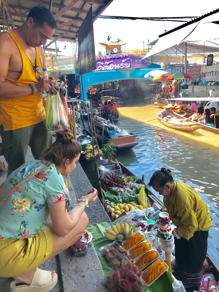 Shopping Thai fruits