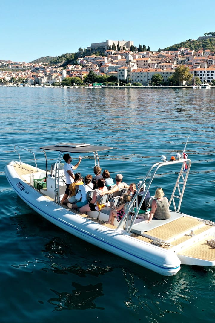 Guided boat tour