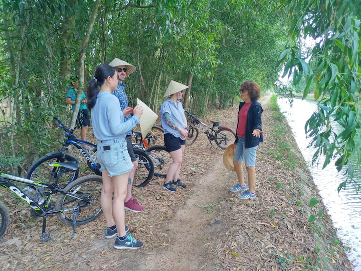 Sharing about life along the canal
