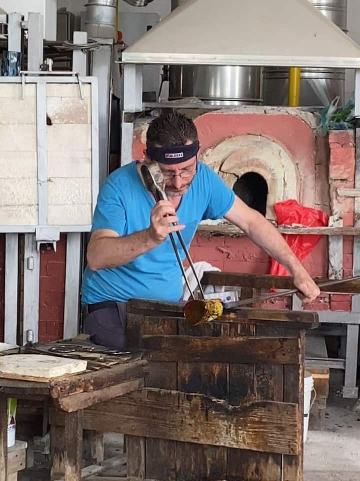 Became glass master take 25 years!