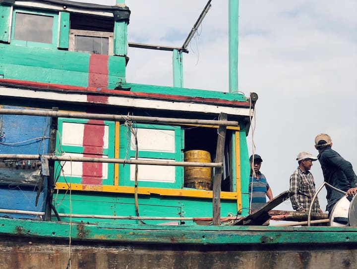 Wooden fishing boat building