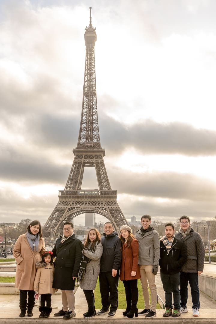 Family picture in Paris