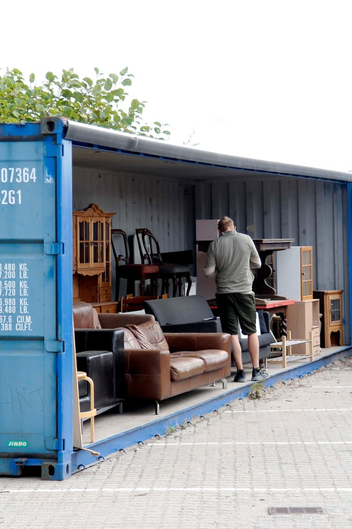 Container thrifting