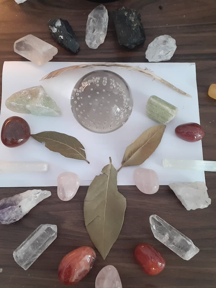 Create your own crystal grid ceremony