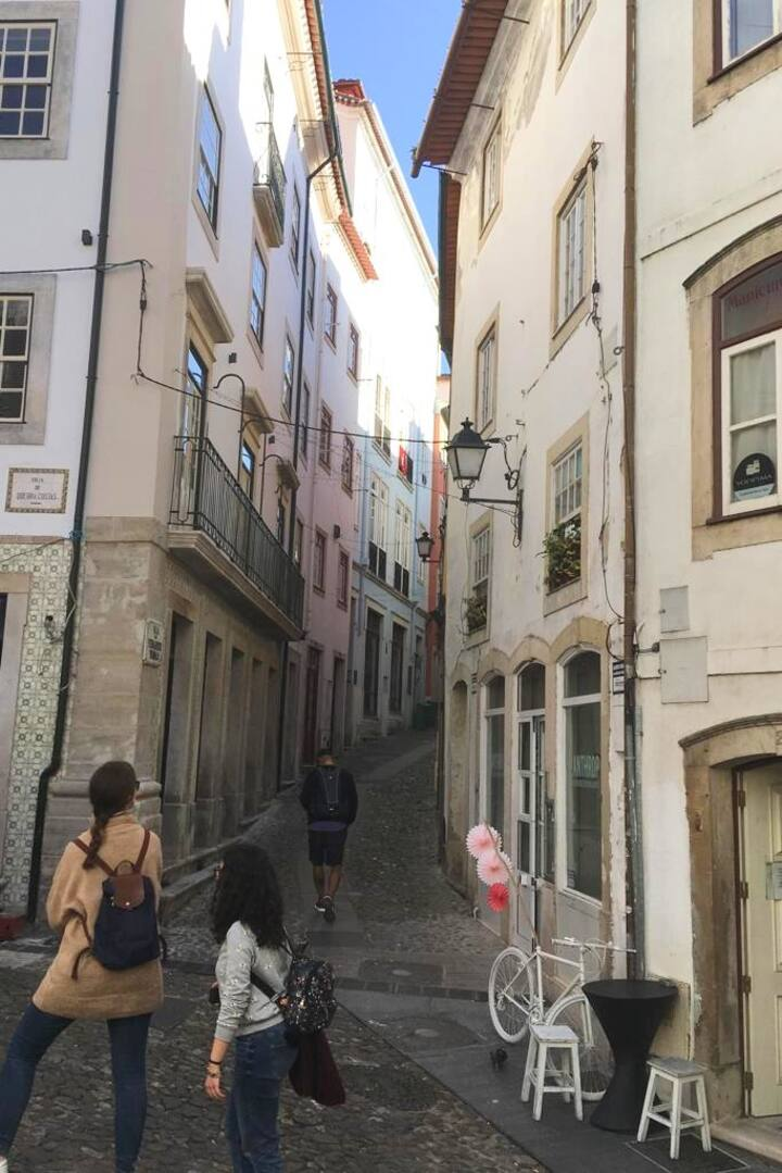 Quebra Costas: calle de diseño local.
