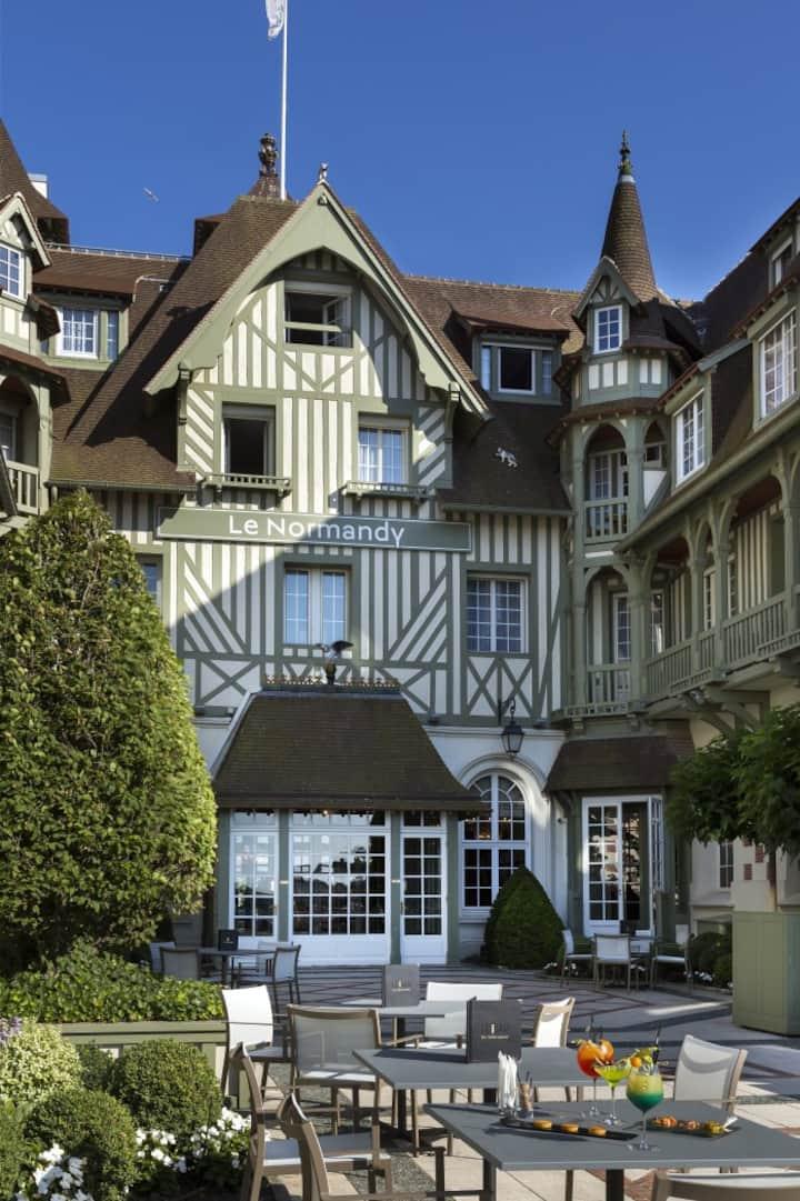 """""""Le Normandy"""" - Famous Hôtel and Palace"""
