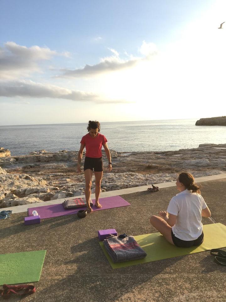 Preparando la práctica frente al mar